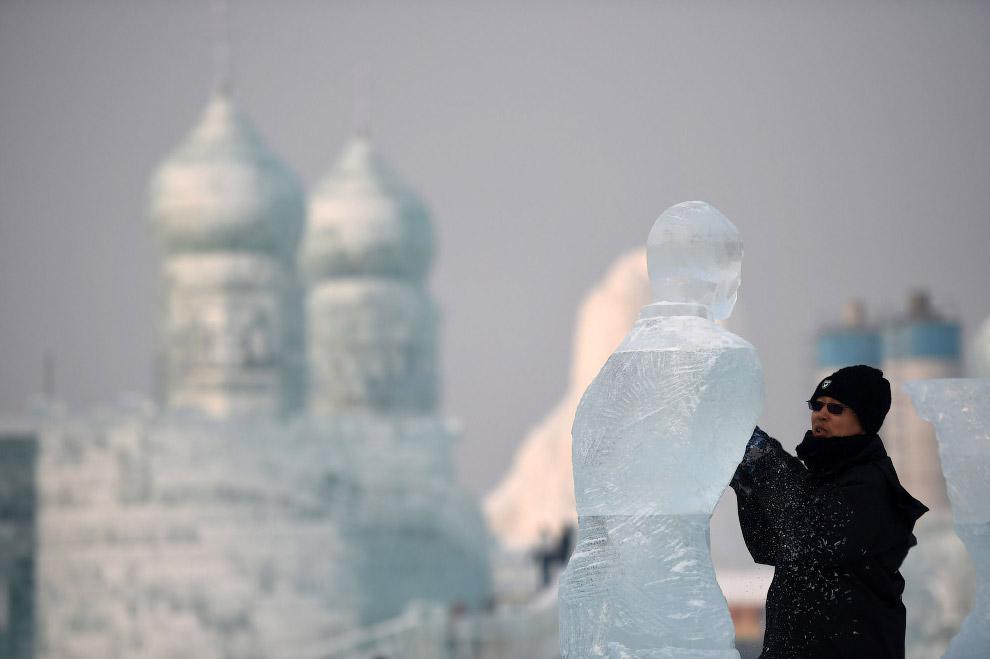 2. Лед брали из реки Сунгари — реки на северо-востоке Китая. Это самый крупный приток Амура по водно