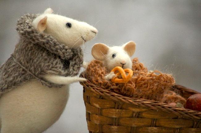 Художница создает прелестные игрушки изсамого настоящего уюта