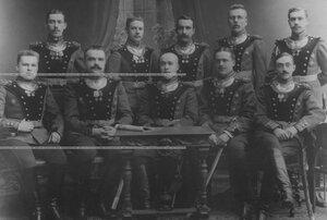 Группа обер-офицерского состава бригады.
