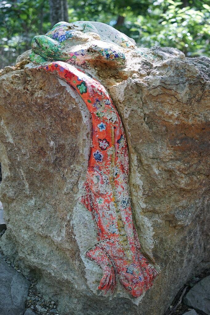 Ящерица из камня. Верхний уровень Сафари-парк, Геленджик