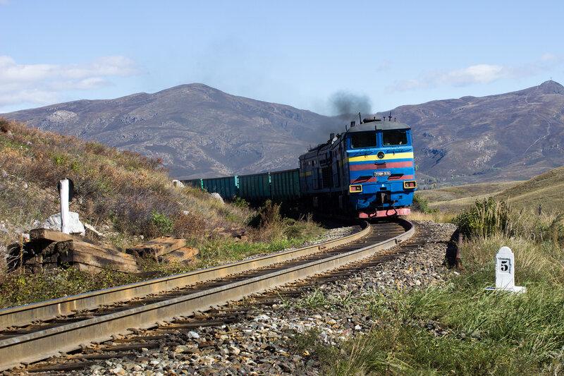 поезд на железхной дороге Защита-Зыряновск