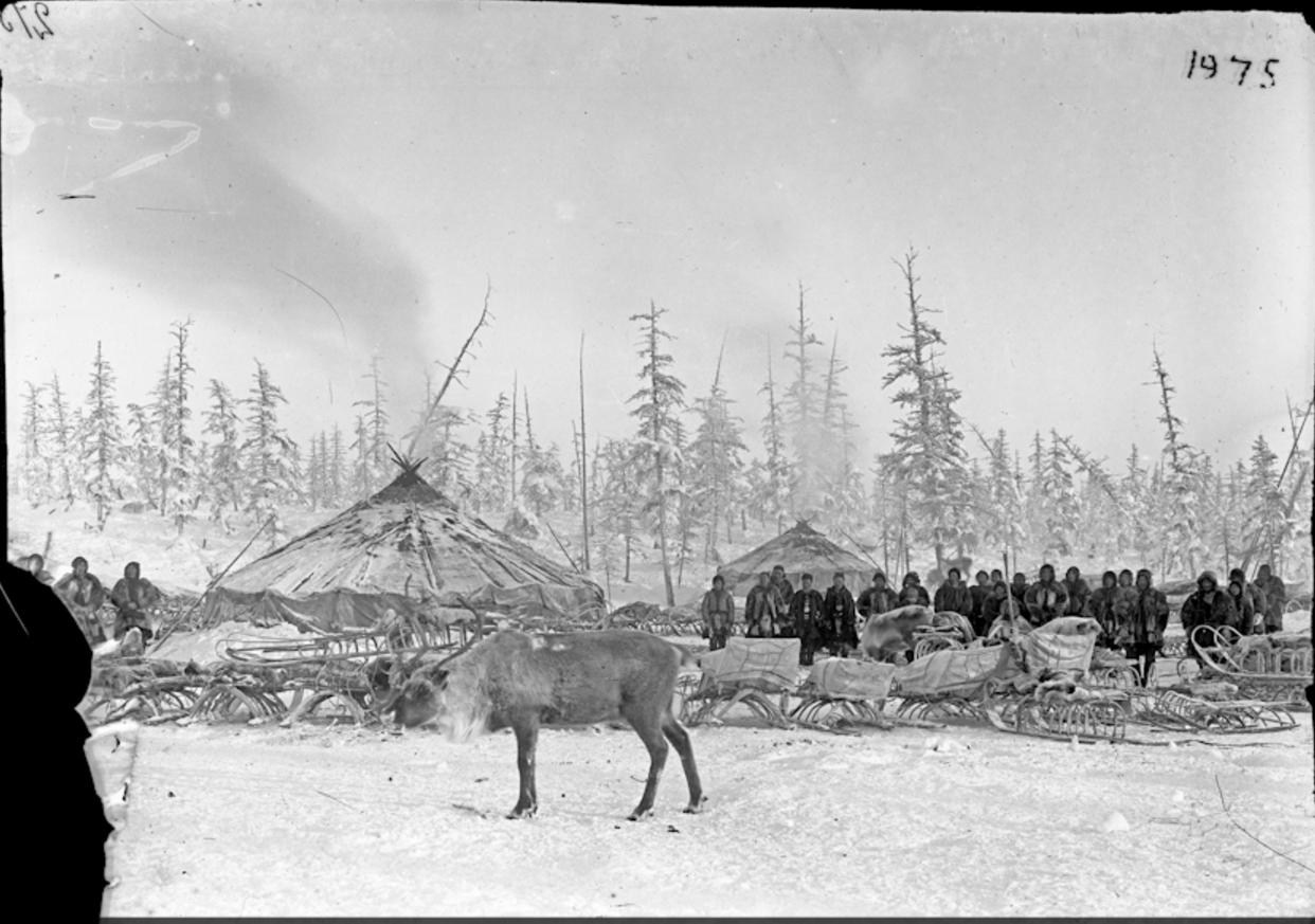 Тундровые юкагиры в лагере