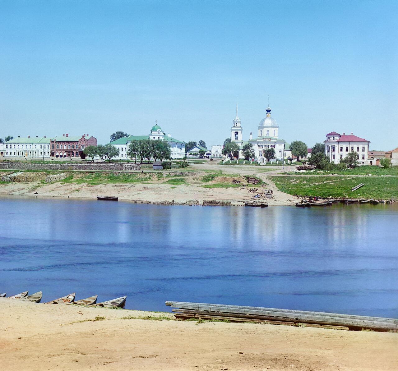 Вид на левый берег Волги с церковью Воскресения (Трех Исповедников)
