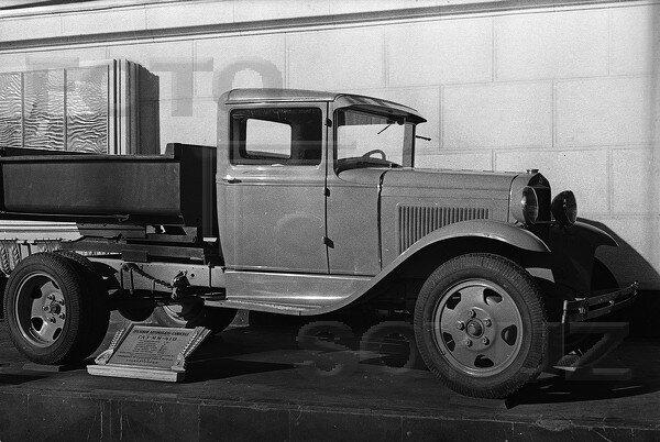 грузовой автомобиль ГАЗ ММ -410, павильон Механизация и электрификация сельского хозяйства СССР, 1939 г.