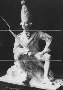 Скульптура Павловский солдат (скульптор Б. Фредман - Клюзель).