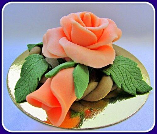 Розочка из марципана