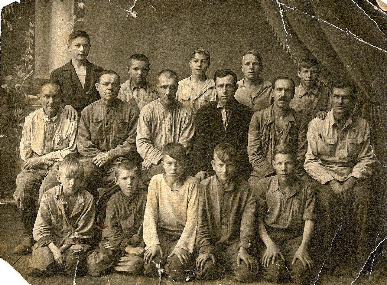 1940. Сапожная артель.