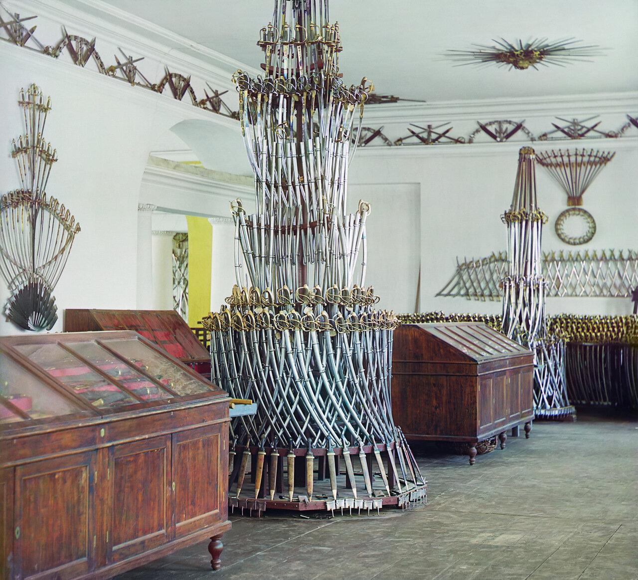Горка из оружия в Арсенальном в арсенальном музее Златоустовского завода