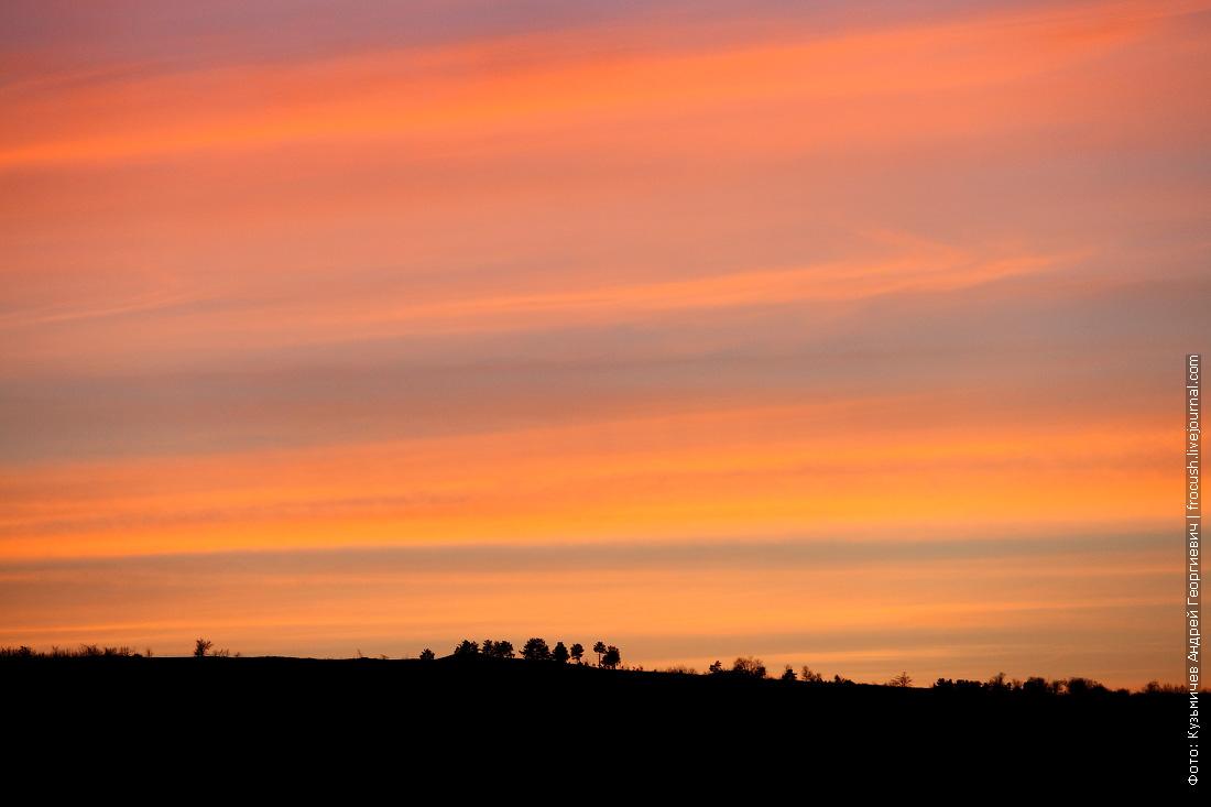 Закат над правым берегом Волгоградского водохранилища