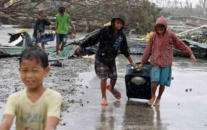 Филиппины: журналисты передают записки выживших