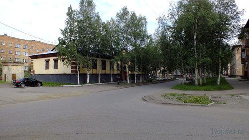Фото города Инта №5411  Юго-западный угол Полярной 14 02.08.2013_13:17