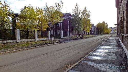 Фотография Инты №5880  Северо-западный угол Кирова 12 15.09.2013_12:25