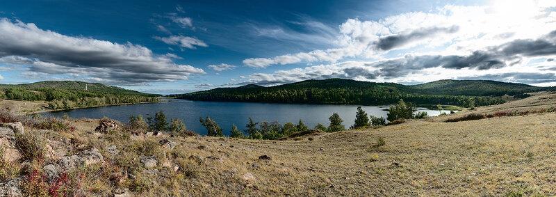 Панорама озера Баланкуль в Хакасии