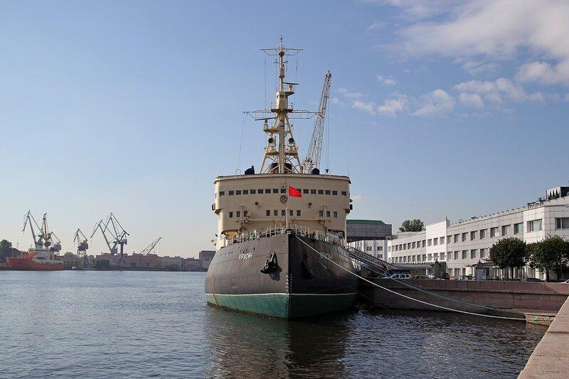 Ледокол Красин (сейчас музей Мирового океана) на Неве Img_7993 Img_7993