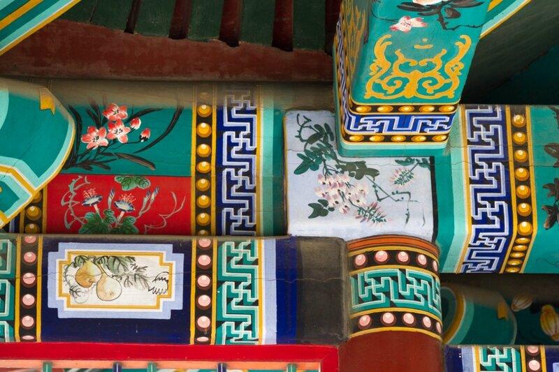 Роспись на балках беседки Таюнь, парк Сяншань, Пекин