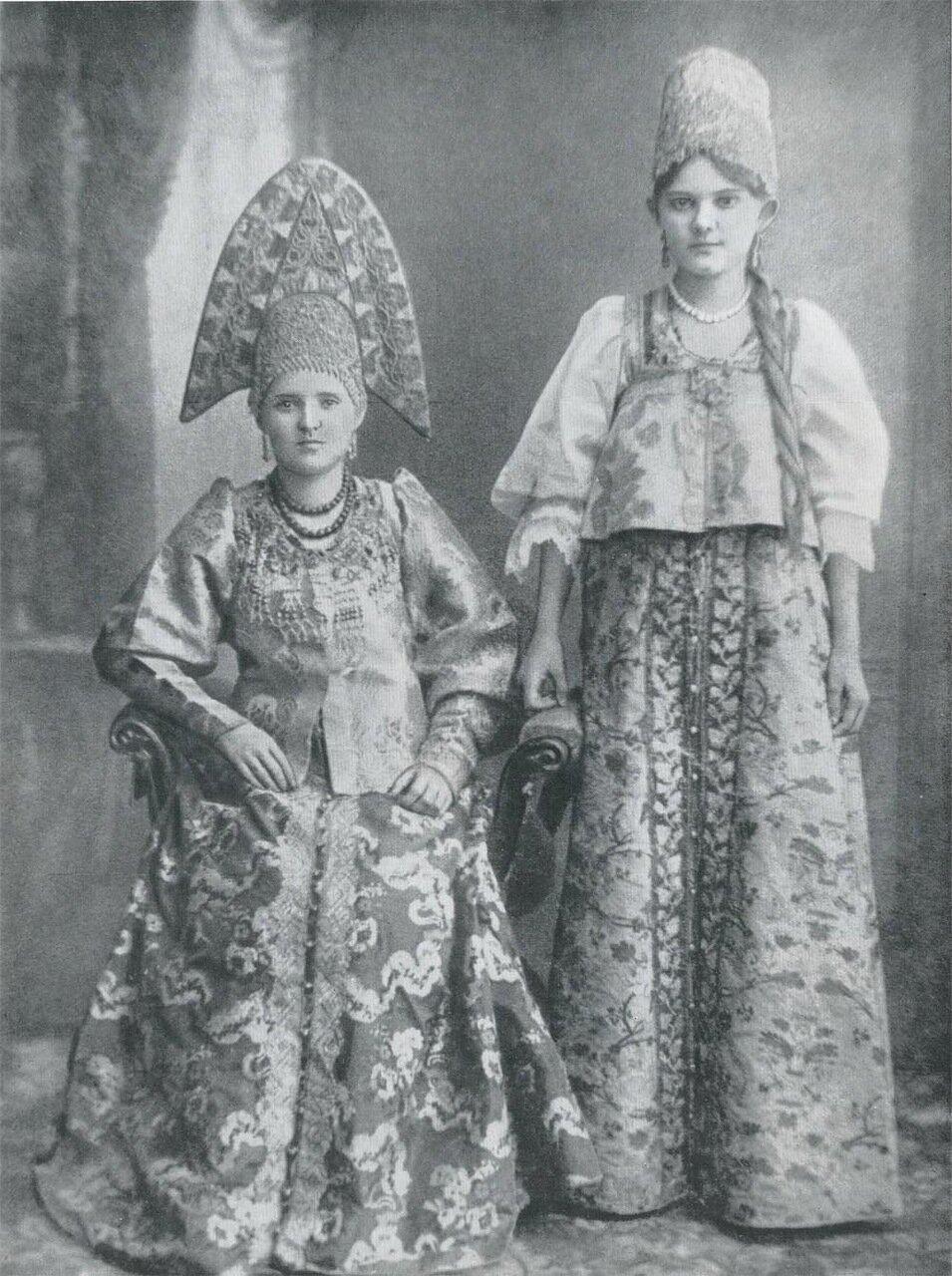 Женщины из семьи купца. Городец, Нижний Новгород. Конец XIX века