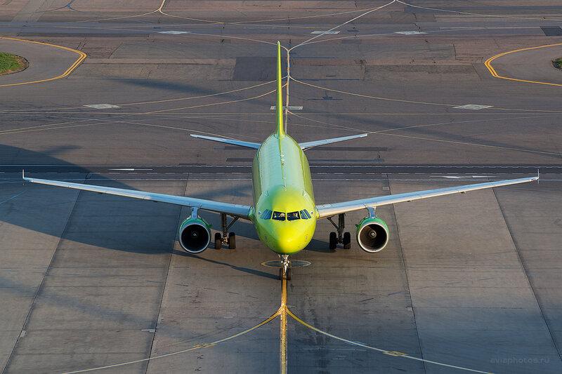 Airbus A320-214 (VP-BCP) S7 D804751