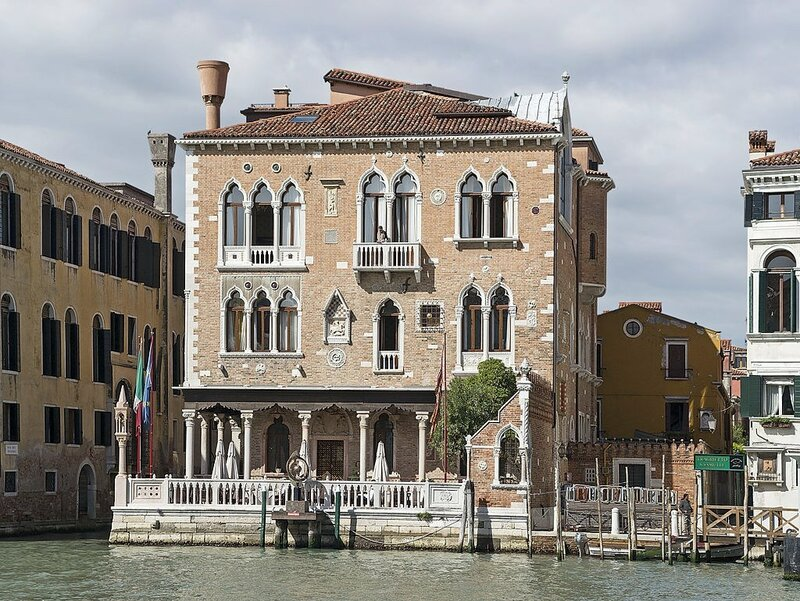 1024px-Palazzetto_Stern_(Venice).jpg