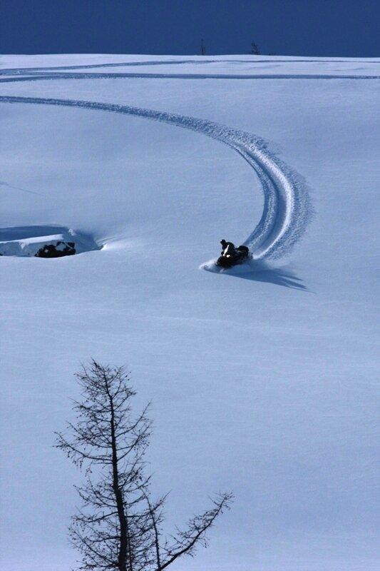 По бездорожью на снегоходе (01.10.2013)