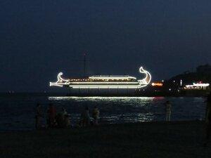 Отдых на Южном берегу Крыма, прогулка по вечерней Ялте