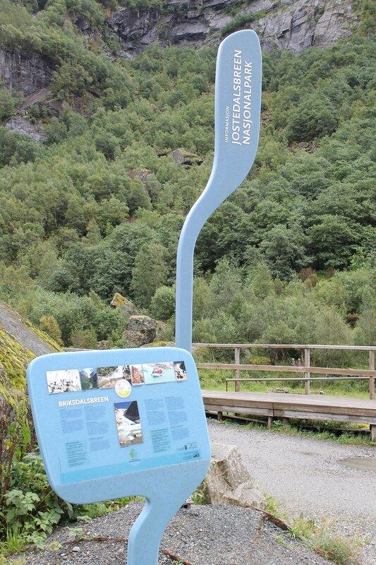 Прогулка к Леднику Бриксдалсбреен. Walking tour to Briksdalsbreen glacier