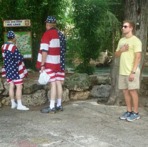 Носить нормальную одежду — это ведь так не по-американски.