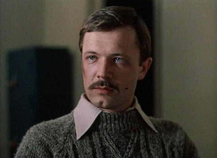 Андрей Ростоцкий, сын известного режиссера Станислава Ростоцкого, часто снимался в военных и героико