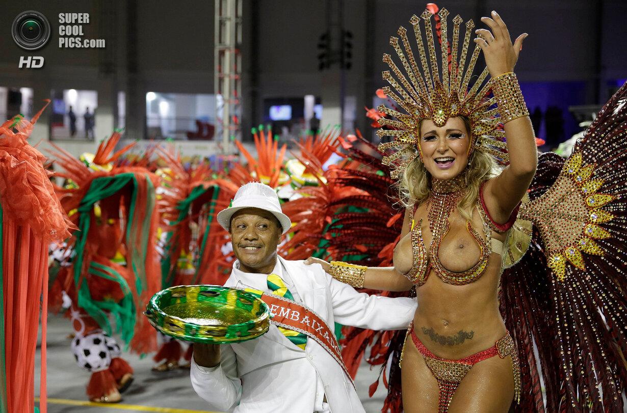 Видео эро карнавала бразилии
