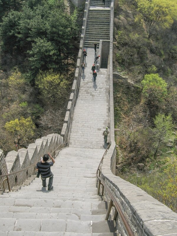 Крутой спуск, Великая китайская стена, Бадалин