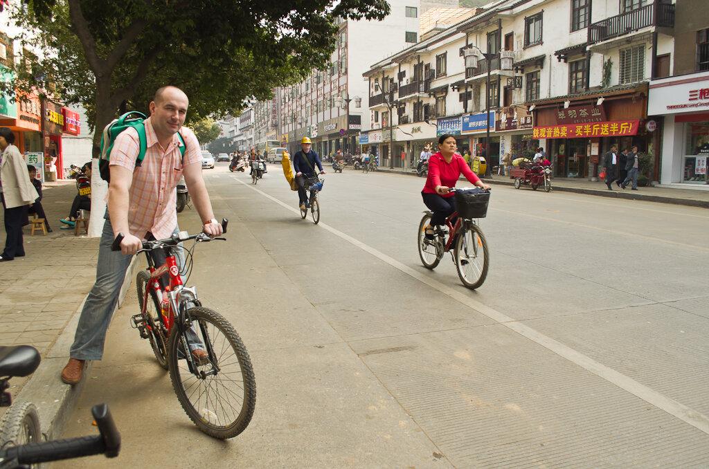 Самостоятельный отдых в Китае. В Яншо луше всего арендовать велосипед для осмотра окрестностей. Фотосъемка в это путешествие велась на любительскую зеркалку Nikon D5100 KIT 18-55mm.