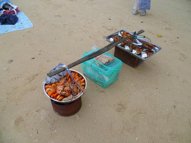 Еда в Таиланде - дары моря - рыба, креветки (Food in Thailand - seafood - fish, shrimp)