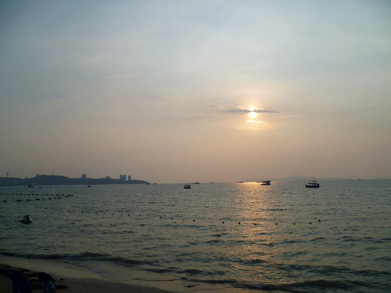 Паттайя, Таиланд - закат. (Pattaya, Thailand - Sunset.)