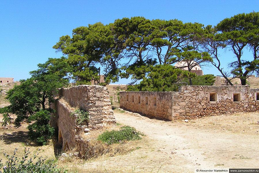 Стены внутри крепости Фортецца, Ретимно