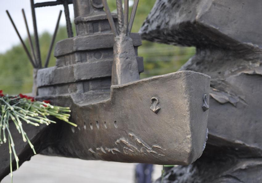 Памятник конвоям 4 850.jpg