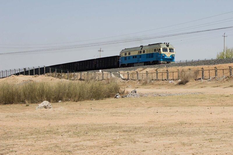 железная дорога и поезд во внутренней монголии, китай