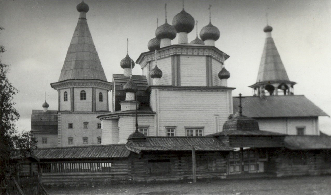 Окрестности Каргополя. Лядинский погост, вид с севера