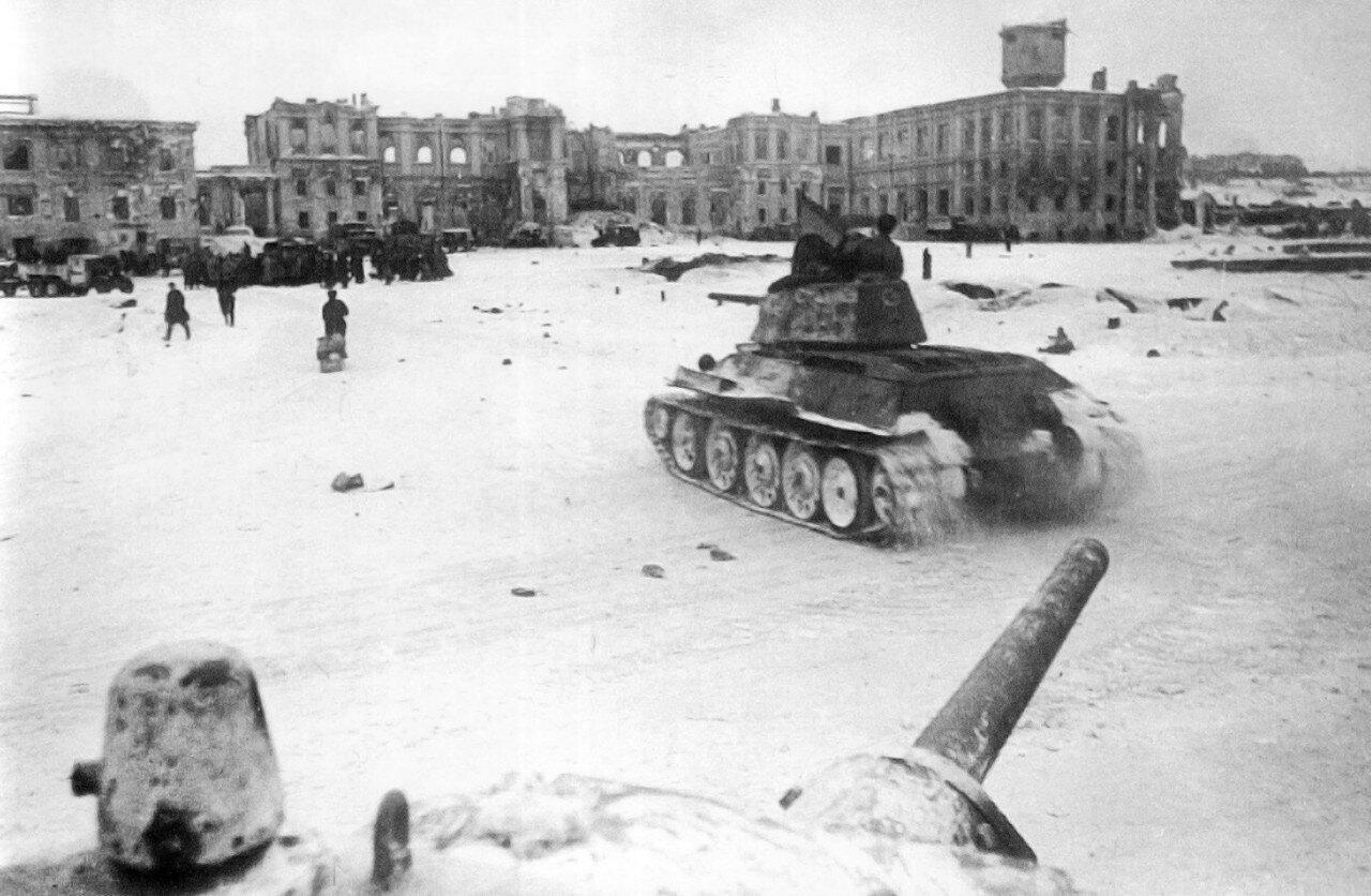 1943.Сталинград, центр города в день капитуляции немецких войск