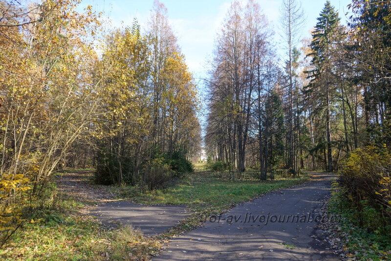 Парк и усадебный дом, вид от центральных ворот, Усадьба Любвино, Тучково