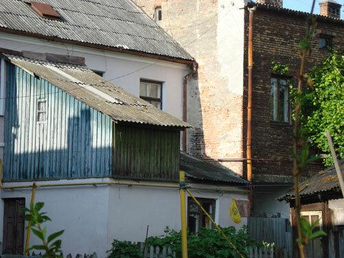 Отдых в Беларуссии: Брест, домики в центре