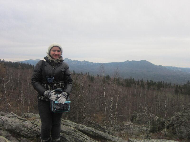 Джоанна на фоне гор (15.11.2013)