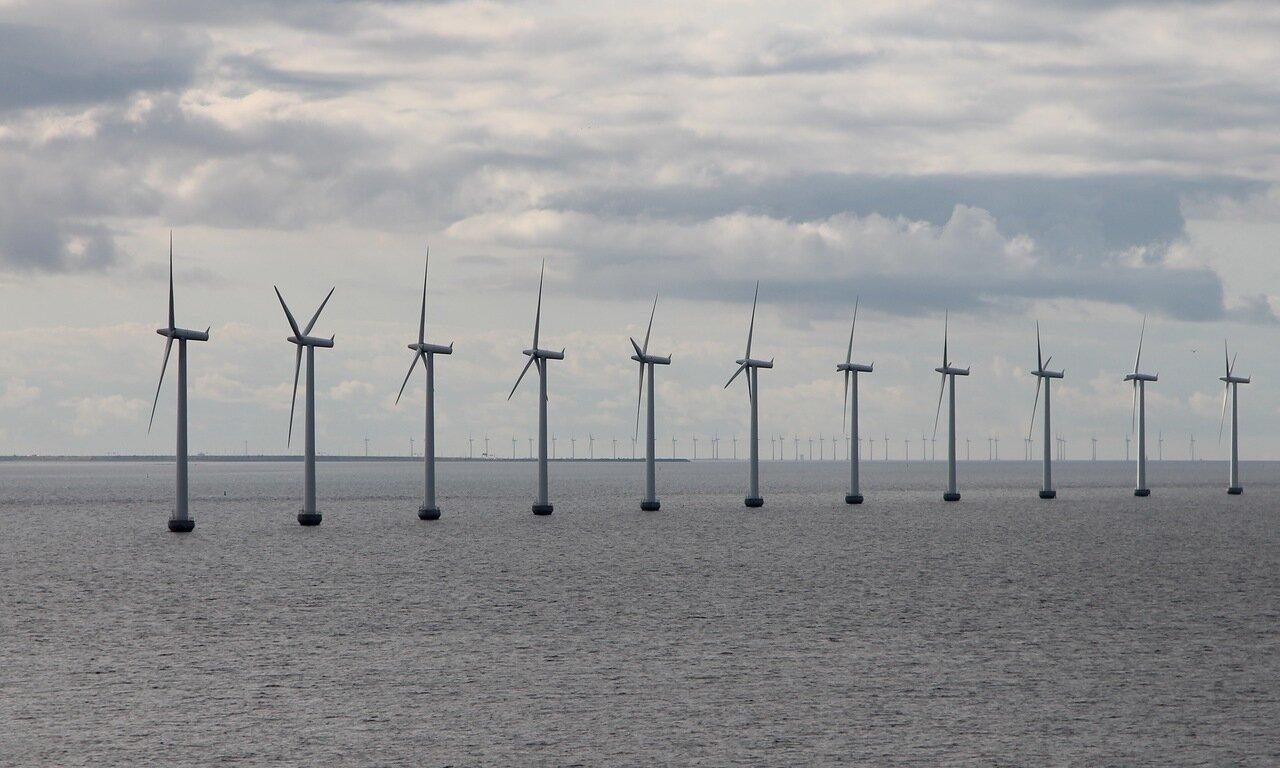 the öresund Strait, the Wind farm Middelgrunden. Middlegrunden, Öresund,