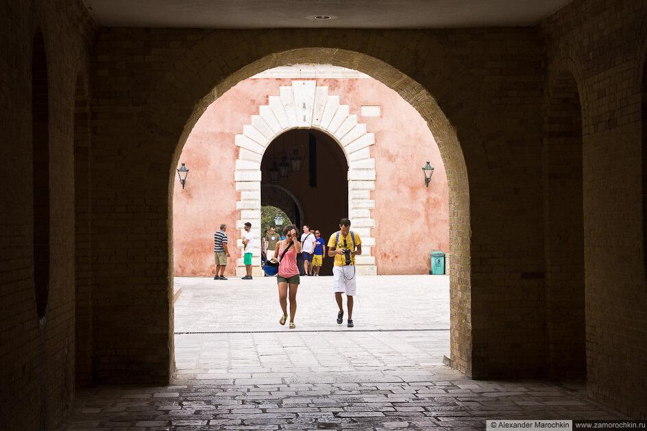 Арка в Старой Крепости Керкиры