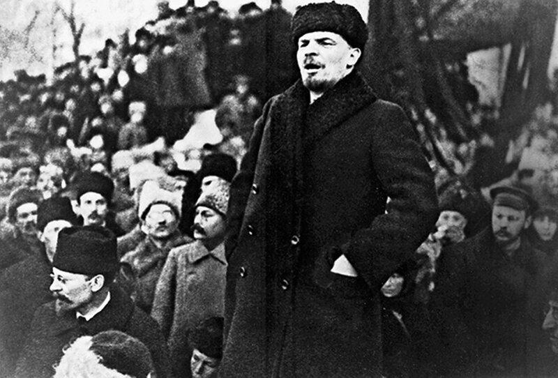 Владимир Ильич Ленин выступает с речью, 1919 год..Фото: РИА Новости.jpg