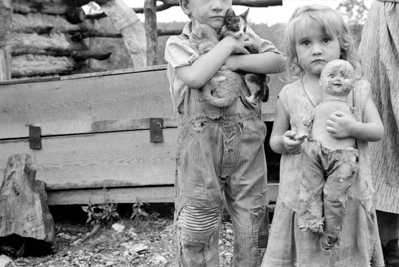 Дети бедняков из Арканзаса, 1935
