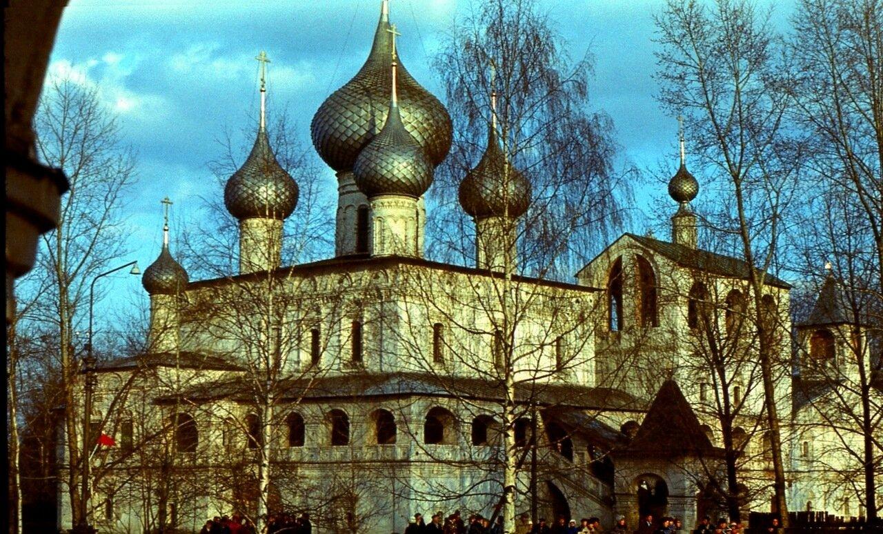 6.  Воскресенский монастырь