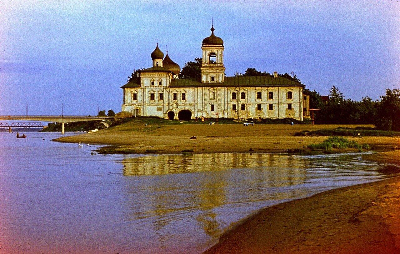 12. Мирожский  монастырь