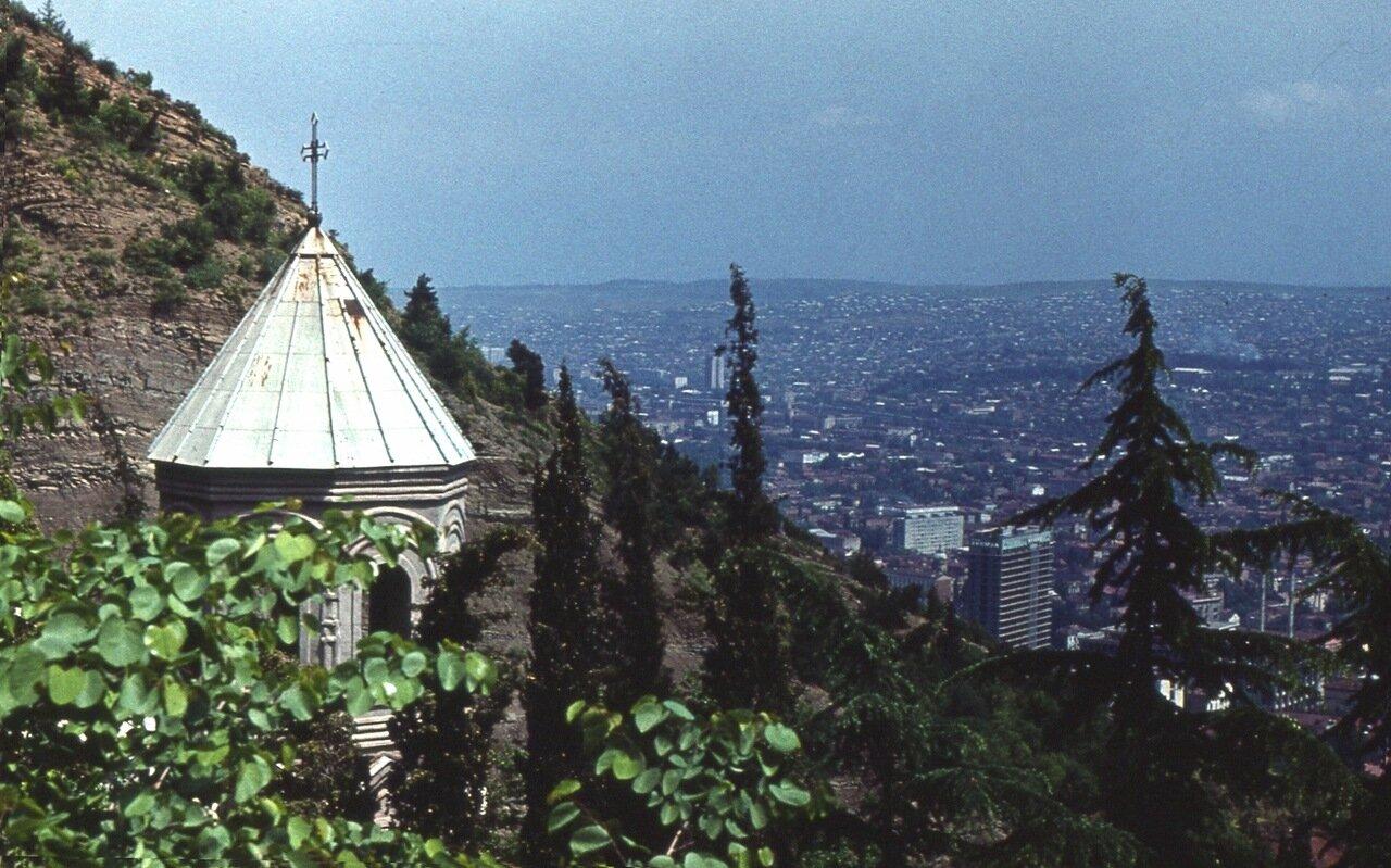 9.  Панорама Тбилиси