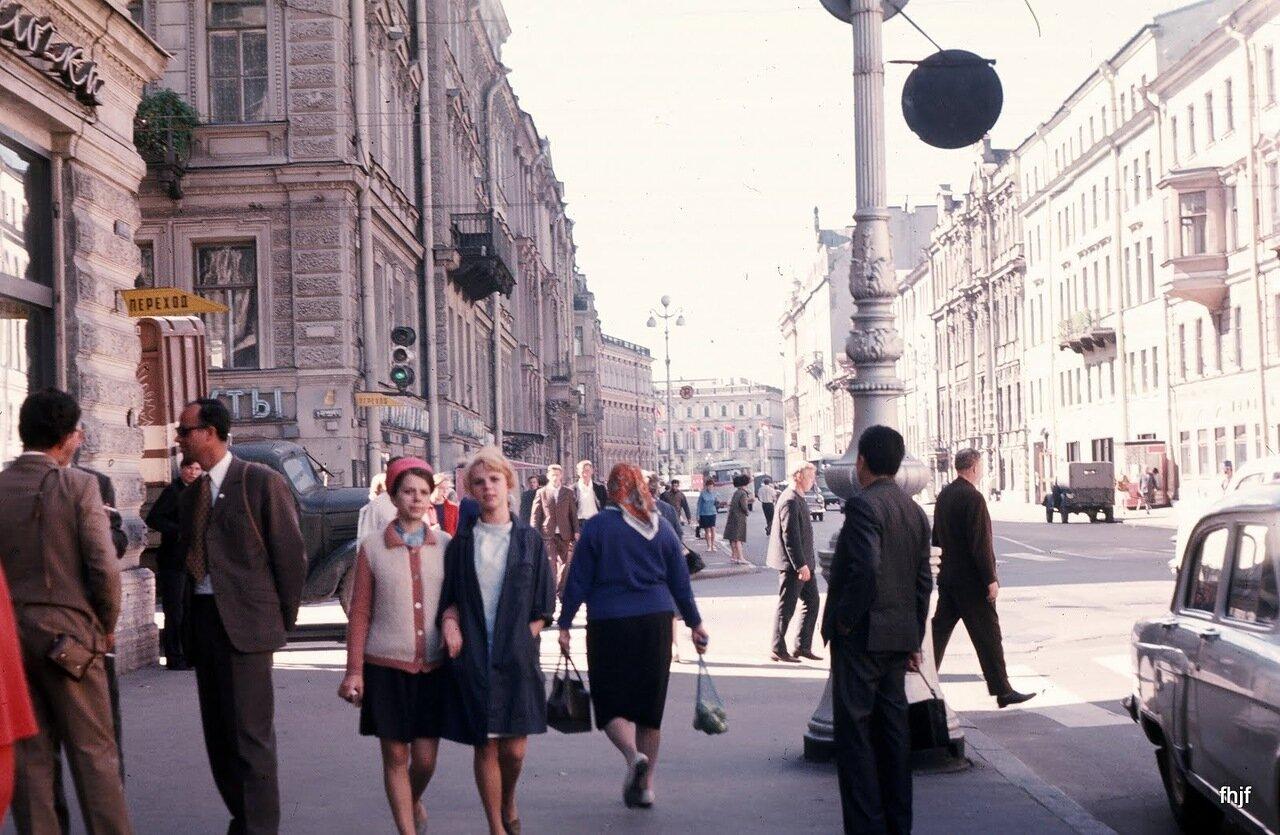 street scene - no cars