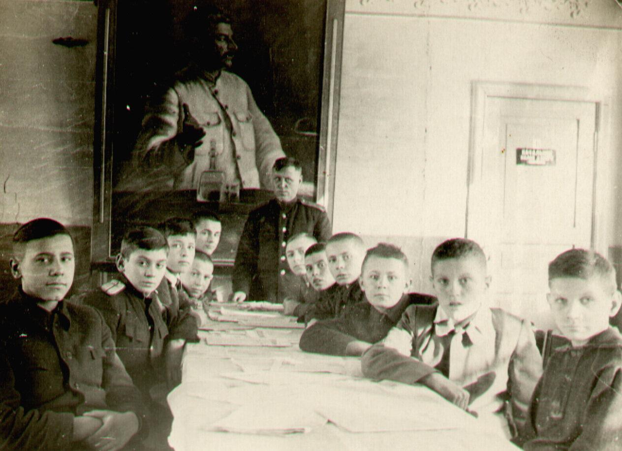 1950-ен. Кружок железнодорожников при Иркутском Дворце Пионеров