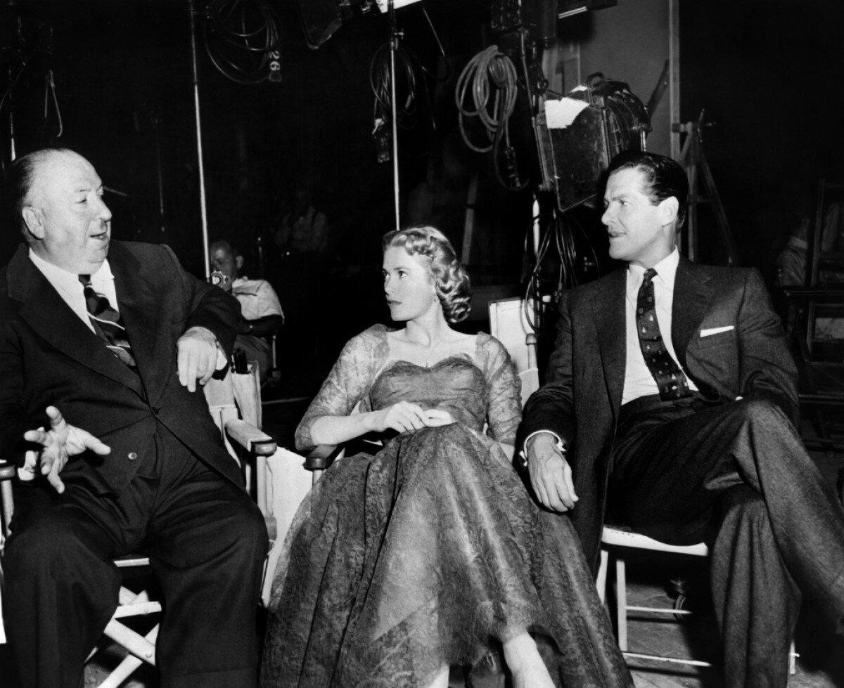 1954. Альфред Хичкок, Грейс Келли и Роберт Каммингс на съемках «В случае убийства набирайте М.»